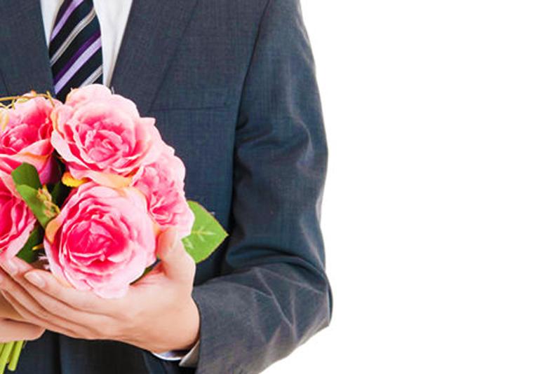 【静岡市】サイズ分からない!婚約指輪を渡すためにサプライズプロポーズをバレずに準備するために