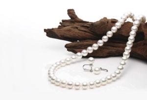 【静岡市】真珠のネックレス結婚が決まったら揃えておくべき理由とは?