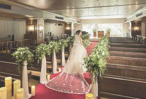 【浜松市】ロングレッドカーペットが大人気♡おしゃれな駅近結婚式場!