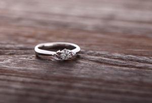 【静岡市】母からもらった婚約指輪をリメイクして身に着ける。