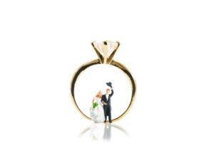 【神奈川県横浜市元町】婚約指輪は何が正解?彼女に気に入ってもらえる婚約指輪の選び方♡