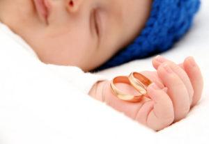 【静岡市】ベビーリングって?赤ちゃんへの贈り物を結婚指輪と一緒に揃えよう♡