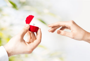 【富山市】婚約指輪の重ねつけが人気