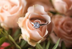 【広島市】婚約指輪、いらないと思ってない?婚約指輪を持つ意味とは…