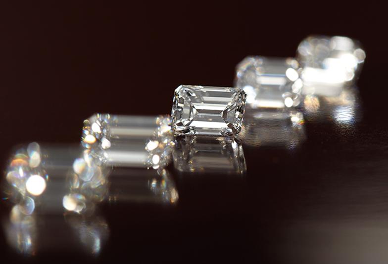 【大阪・梅田】婚約指輪のダイヤモンドは丸い形以外にあるの?