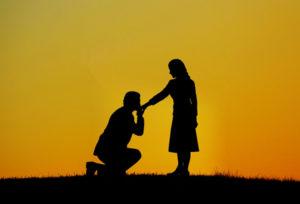 【浜松市】婚約指輪選び!彼女の指のサイズがわからない・・・も解決する「リング」とは?