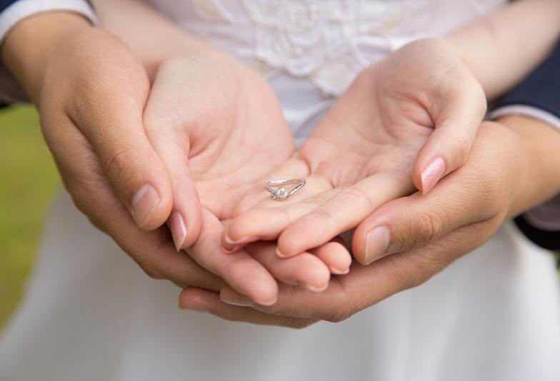 【静岡市】婚約指輪の選びの秘訣!彼女に必ず気に入ってもらえる3つの法則