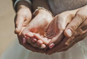 【福岡県久留米市】男性も積極的に!!結婚指輪選びのポイント!!