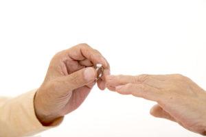 【泉州・岸和田市】イマドキ男子が買う!婚約指輪の相場を調べてみました