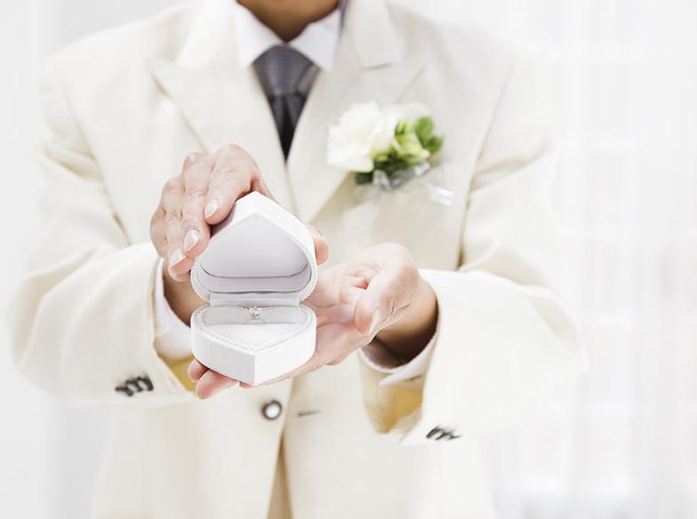 【福山市】婚約指輪は『ひとりで選ぶ』or『彼女に選んで貰う』どちらがいいの?