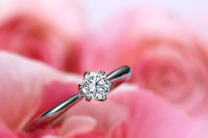 【福島市】婚約指輪を選ぶポイント!ダイヤモンドの4Cとは?