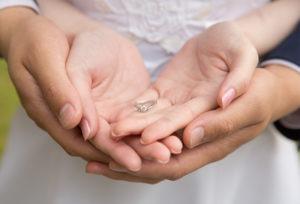 【静岡市】すぐに婚約指輪を渡したい!「プロポーズ専用リング」で女性に一番喜ばれるサプライズを