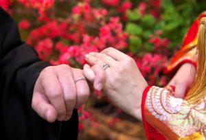 福島県|山形県 左手に結婚指輪の意味?疑問に答えます!