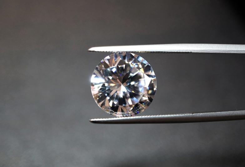 【静岡市】ダイヤモンドは安ければ安い方がいいわけではない!ダイヤモンドの正しい見極め方