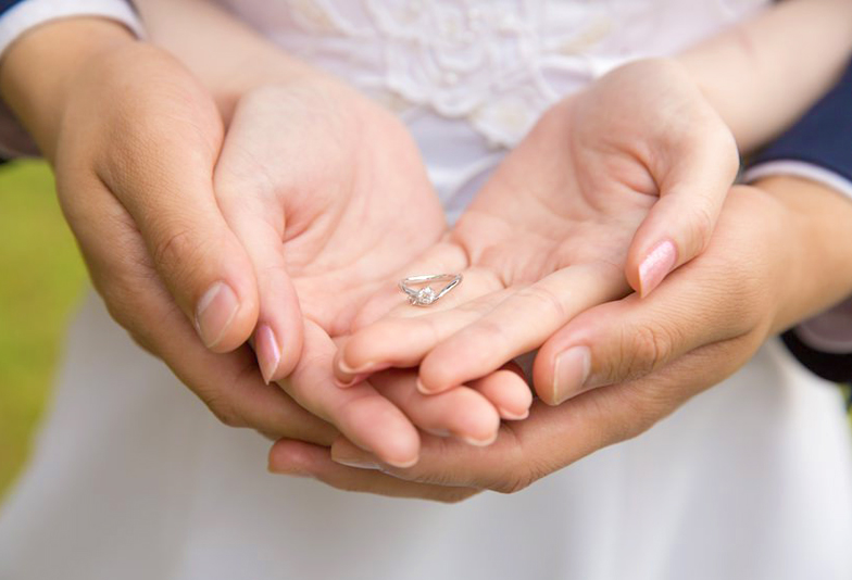【静岡市】指輪のコンプレックス!指を細く・むっちり見せない魔法の結婚指輪デザイン