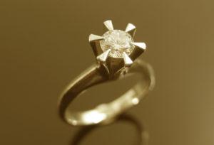 【福岡県久留米市】婚約指輪や家に眠っているジュエリーをリフォームしませんか?