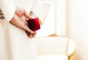 【宇都宮市】プロポーズをしよう!女子が本当に喜ぶ男性が選ぶ婚約指輪とは?