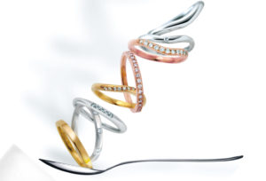 【加古川市】結婚指輪、シルエットで指の見え方が変わる!?