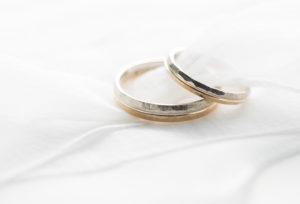 【静岡市】王道な結婚指輪は見飽きた!最近のオシャレカップルにはゴールド系が人気!!