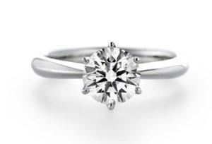 【新潟市】煌びやかな輝き|ダイヤモンドを主役にした婚約指輪