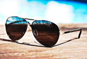 【福井市ベル】自分に似合うサングラスを見つけよう!おすすめサングラス!~男性編~