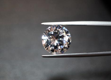 堺市岸和田市プロポーズリング天然合成ダイヤモンド
