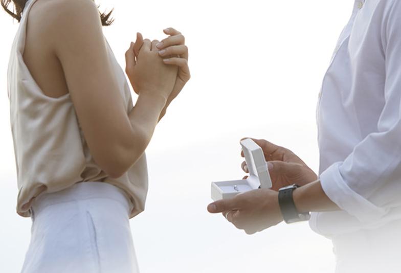 【福山市】女性が喜ぶプロポーズ!?「ダイヤモンドだけ選ぶ」サプライズ婚約指輪