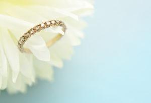 【福山市】普段使いしやすい婚約指輪!?ハーフエタニティリングとは?