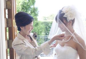 【浜松市】花嫁様に贈るのにふさわしい高品質な宇和島産無調色真珠とは?