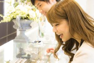 【福島市】今更聞けない!結婚指輪と婚約指輪って何が違う?