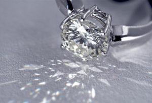 【広島市】婚約指輪を選ぶならダイヤモンド専門のブランドを要チェック!