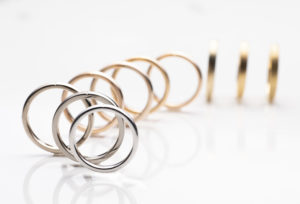 【静岡市】金属アレルギーの方にも注目されている結婚指輪【SORA】