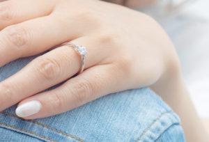 【静岡市】プロポーズをしよう!女子が本当に喜ぶ男性が選ぶ婚約指輪とは?
