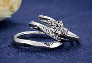 【福井市】婚約指輪と結婚指輪を重ね付けで