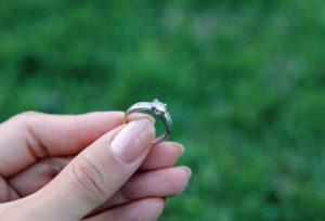 【静岡市】判明!婚約指輪を選ぶときのお悩み1位はサイズがわからないことだった