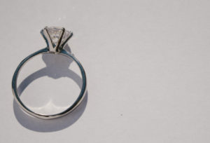 【加古川市】婚約指輪を贈る大事な3つの理由!