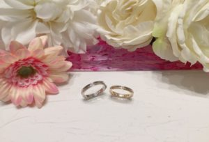 【石川県】小松市 永遠を約束する薔薇の結婚指輪『プチマリエ』