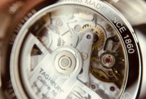 【静岡】機械式腕時計の内側の赤い石はなに?人気のタグホイヤーで検証!