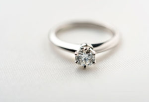 【姫路市】婚約指輪を買うなら増税前が狙い目!!