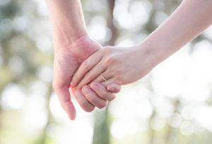 【浜松市】素材にもこだわりたい!アレンジも楽しめる結婚指輪とは?