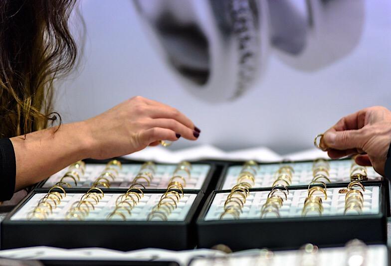 【新潟市】婚約指輪 デザインで印象はどう変わる?好みに合わせた選び方