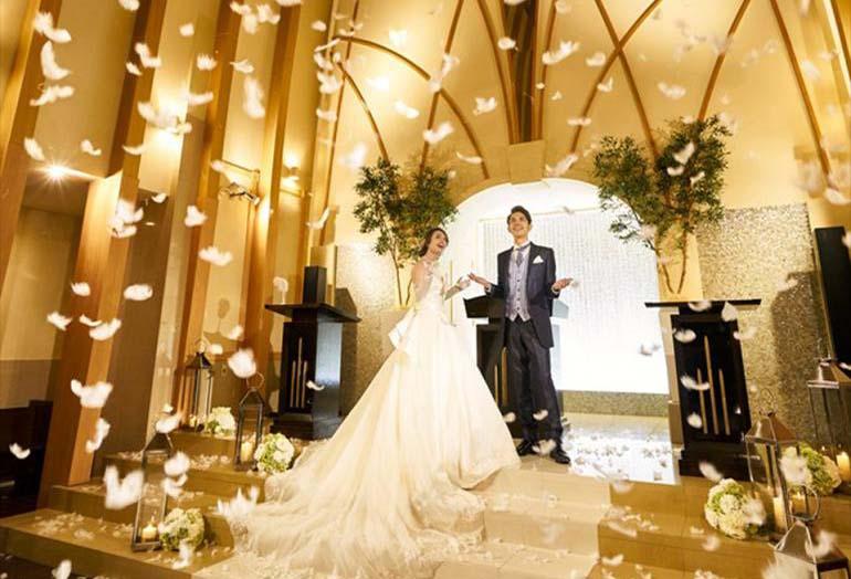 【浜松市】木のぬくもりを感じられる結婚式。駅近で叶えるナチュラルウェディング