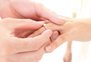 【静岡市】プロポーズのタイミングはいつがベスト?準備することとは?