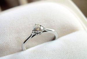 【米沢市】母からもらった婚約指輪をジュエリーリフォーム☆彼女が喜ぶデザインへ大変身!