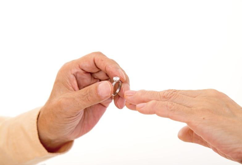 【石川県金沢市】ピンク好きな彼女に贈った婚約指輪。僕が選んだデザインがこちら!