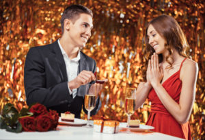 【宇都宮市】クリスマスまでにプロポーズをするなら今から婚約指輪は用意すべき!