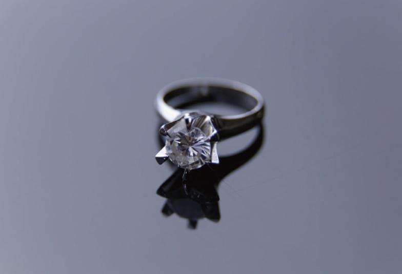 【静岡市】リフォームで生まれ変わる!母から娘へ贈った婚約指輪