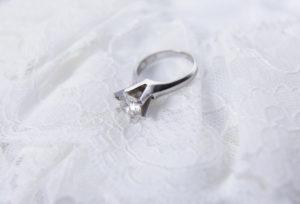 【静岡市】受け継いだ婚約指輪を身に着けるために。ジュエリーのリメイクでネックレスに。
