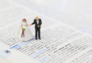 【金沢市】結婚式のジンクス「サムシングブルー」が秘められた結婚指輪