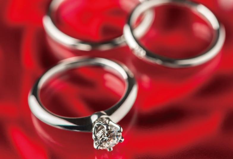 【米沢市】無限大のオーダーメイド!お二人だけの理想の婚約指輪&結婚指輪がつくれるアフラックス